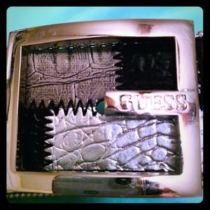 Edgy Guess belt black and silver EUC